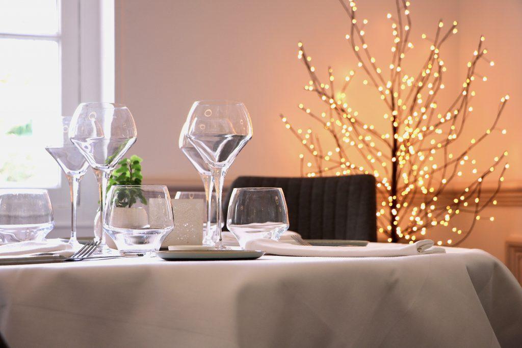 antibes coup de coeur pour le 44 table libre. Black Bedroom Furniture Sets. Home Design Ideas