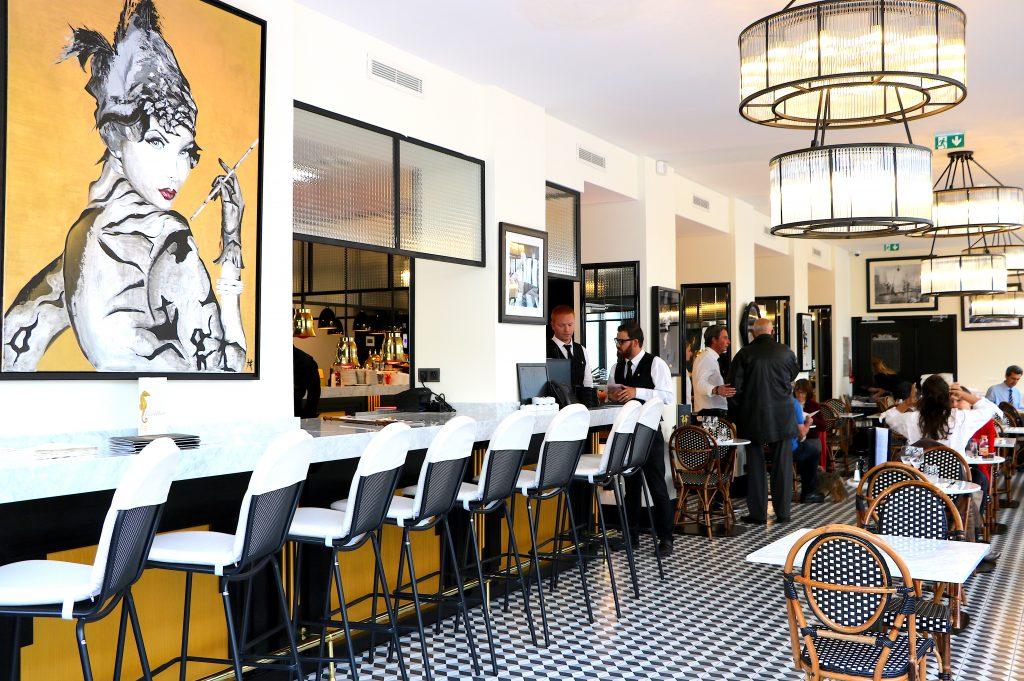 Saint rapha l le touring la renaissance table libre - Restaurant la table st raphael ...